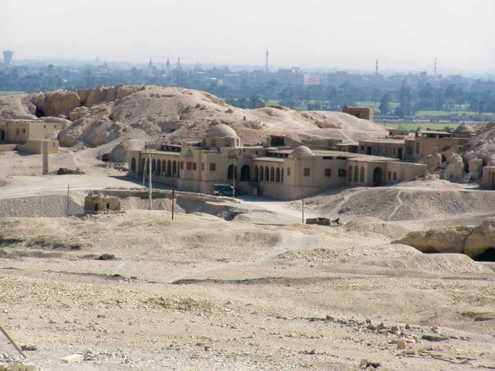 Gizeh, Egypt - Hard to spot building in the desert
