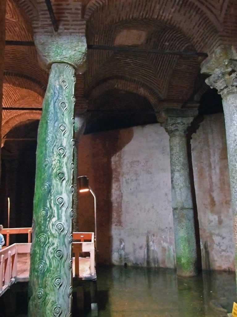 Yerebatan Sarnici - Peacock eye pillar