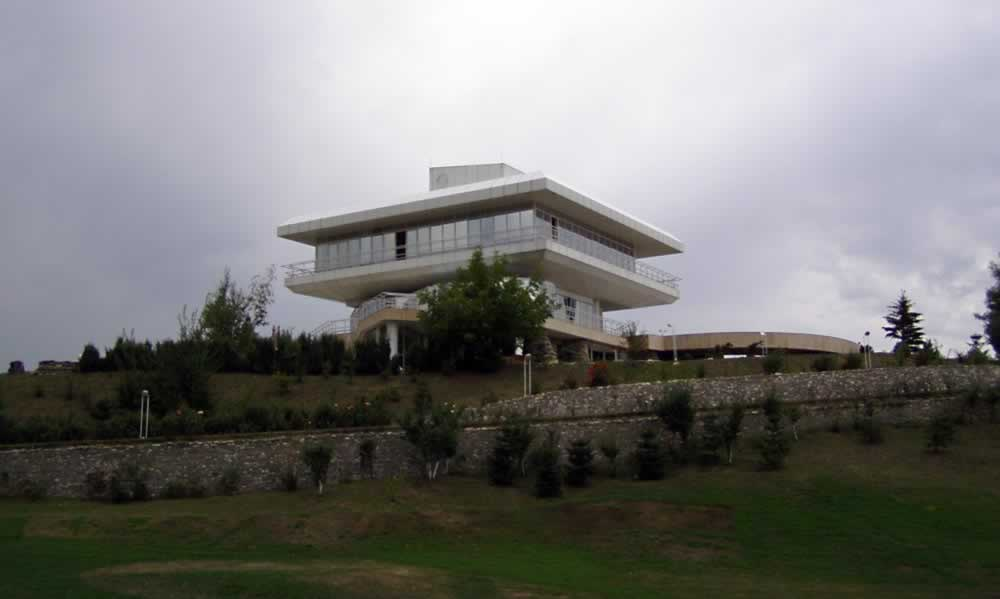 The main hotel and restaurant in Lac de Verde