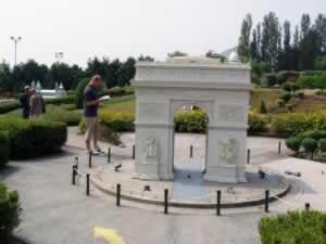 Mini Europe - L'Arc du Triomphe, Paris, France