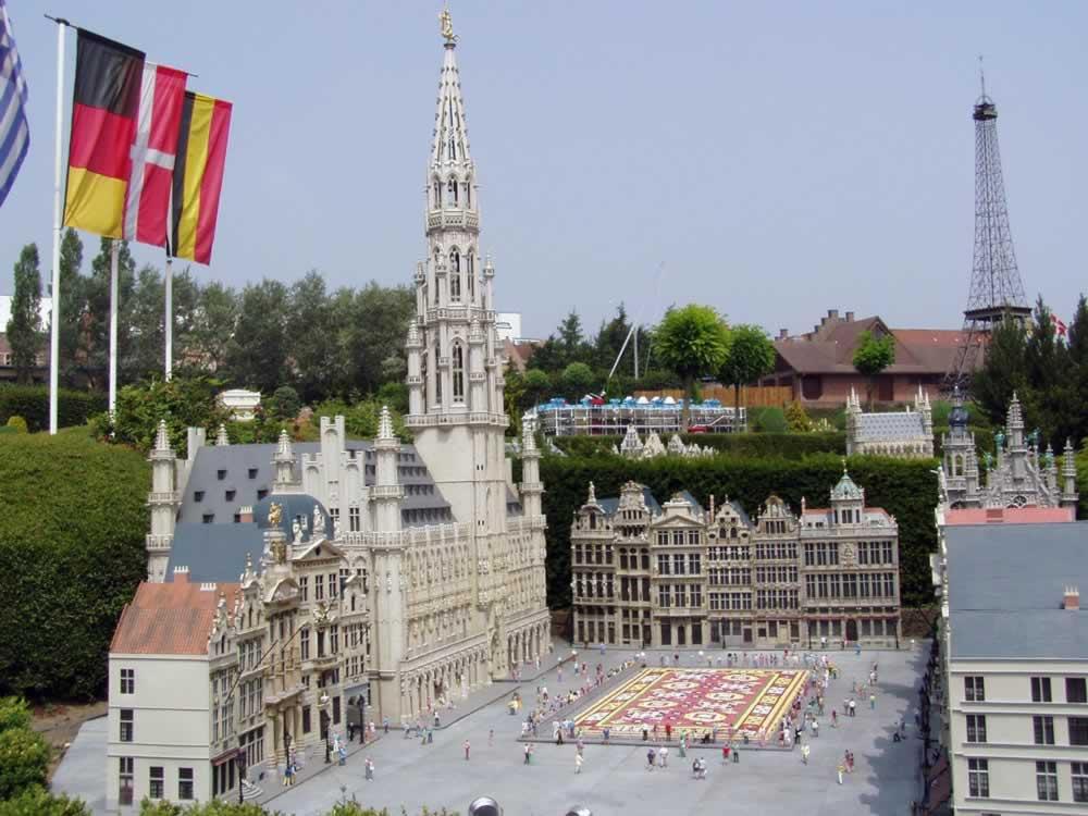 Mini Europe - square