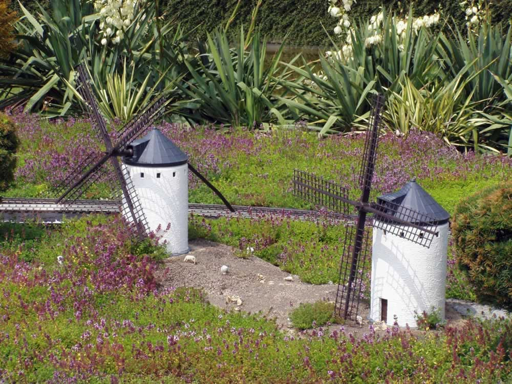 Mini Europe - windmills