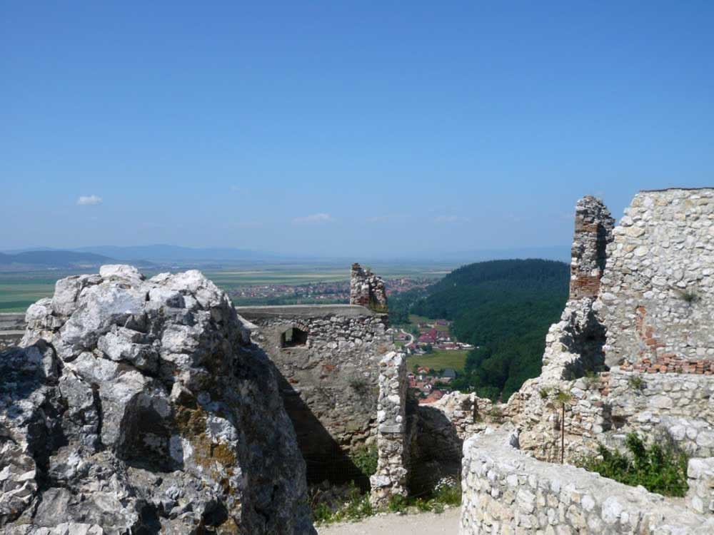 Rasnov fortress - more ruins