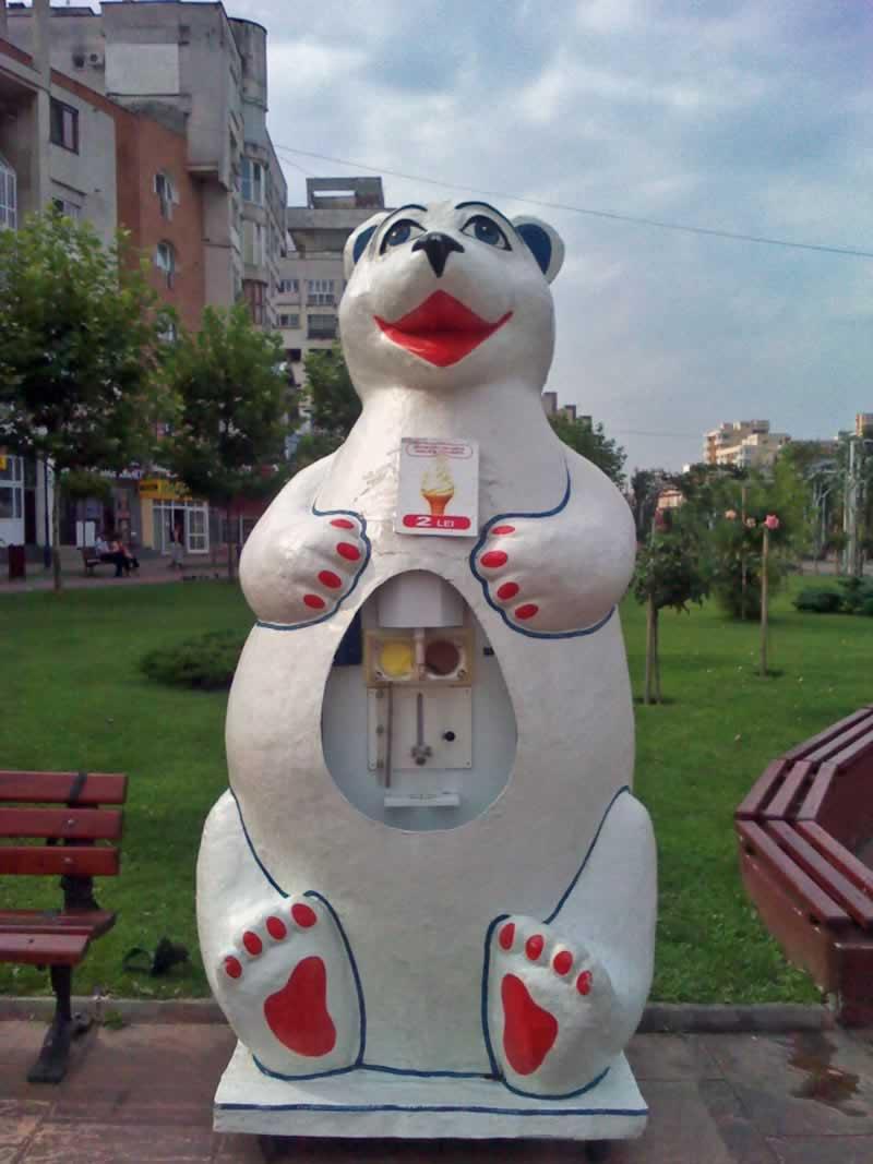Ice Cream Dispenser Polar Bear
