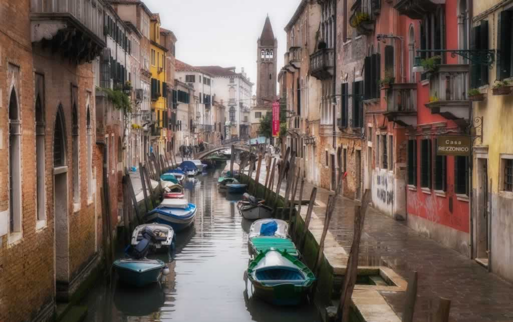 Venice in April - morning showers width=