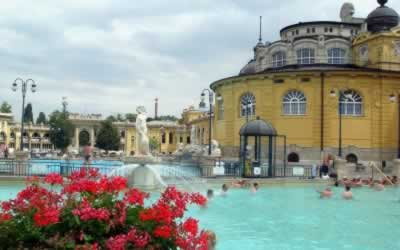 Szechenyi Thermal Bath, the Best Spa Experience in Budapest