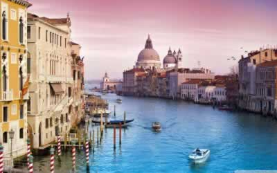 How to Plan Your Next Romantic Getaway in Italy