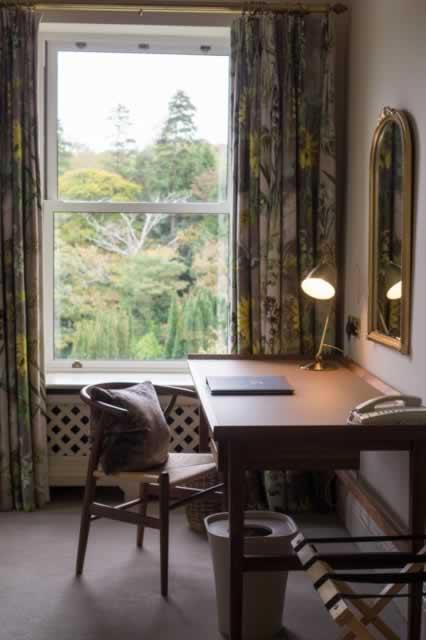 dromquinna manor desk