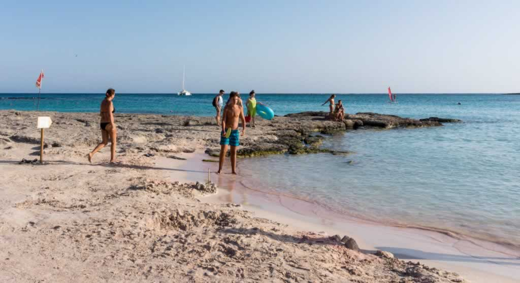 elafonisi pink sand