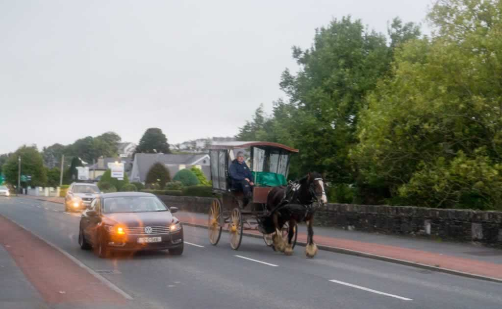 jaunting car on the road