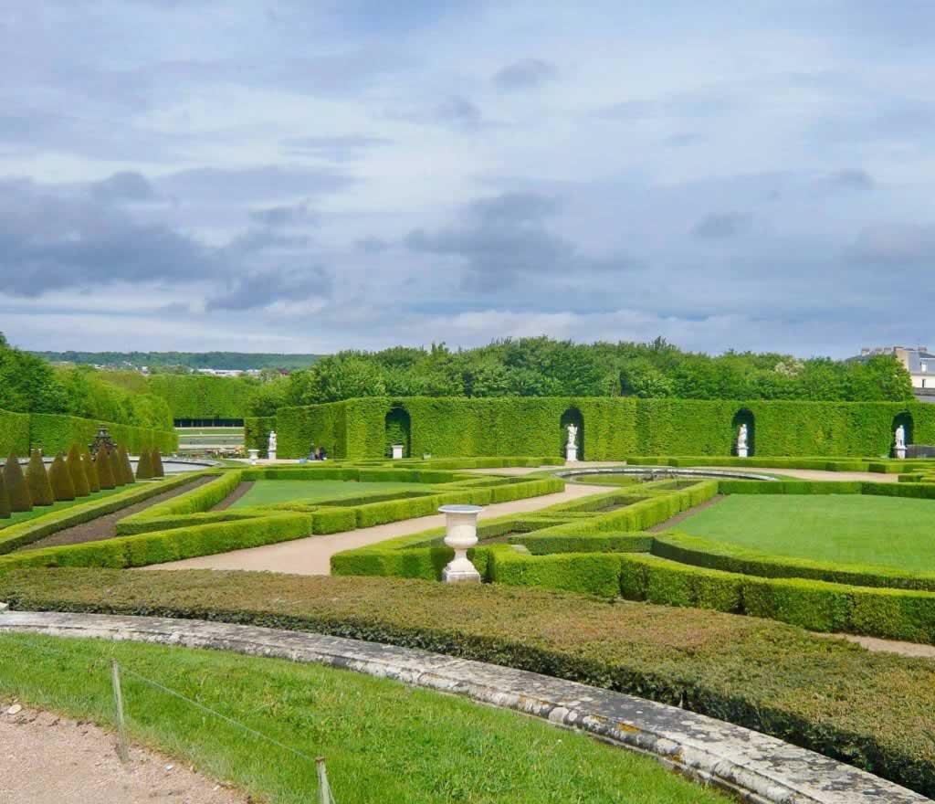 paris versailles gardens