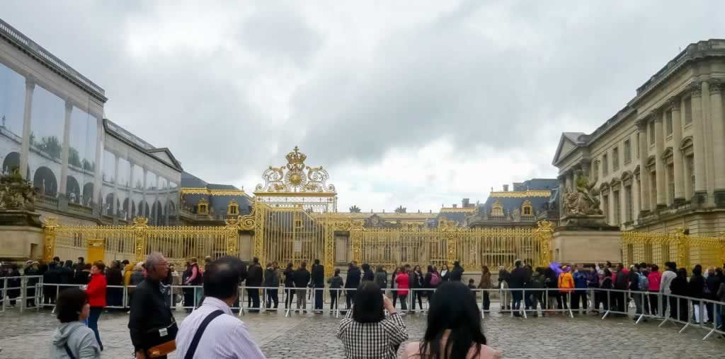 versailles golden gates