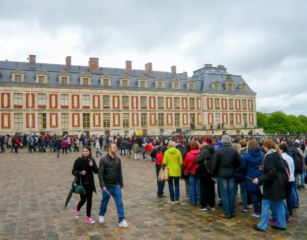versailles palace queue
