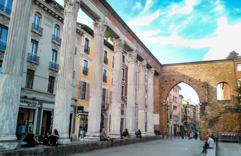 san lorenzo columns milan