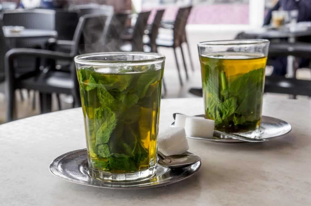 fresh mint tea glasses