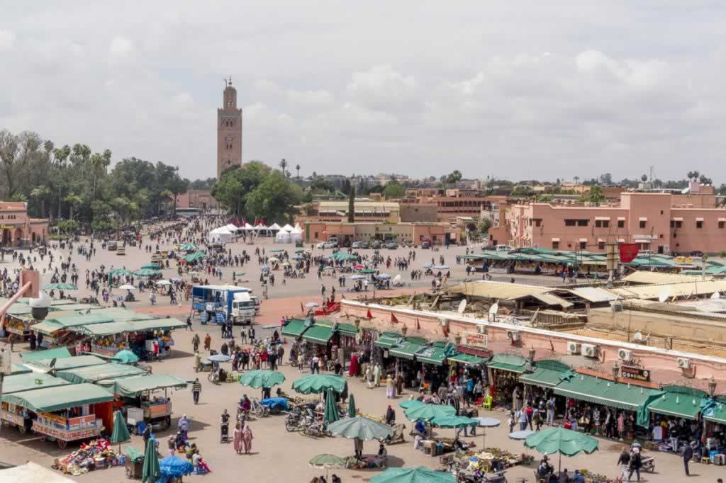 marrakech djemaa el-fna square and la koutubia