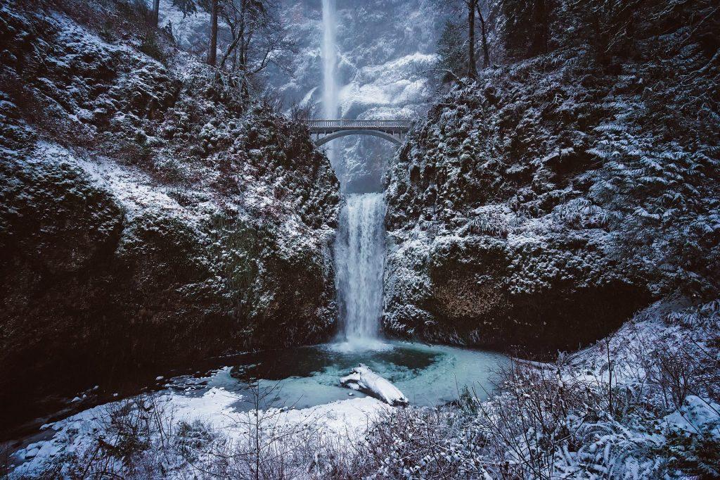 Multnomah Falls in Portland Oregon, in the winter
