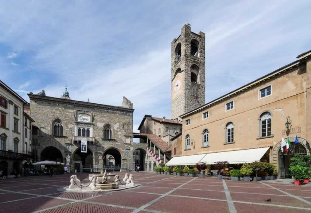 Bergamo Italy Piazza Vecchia
