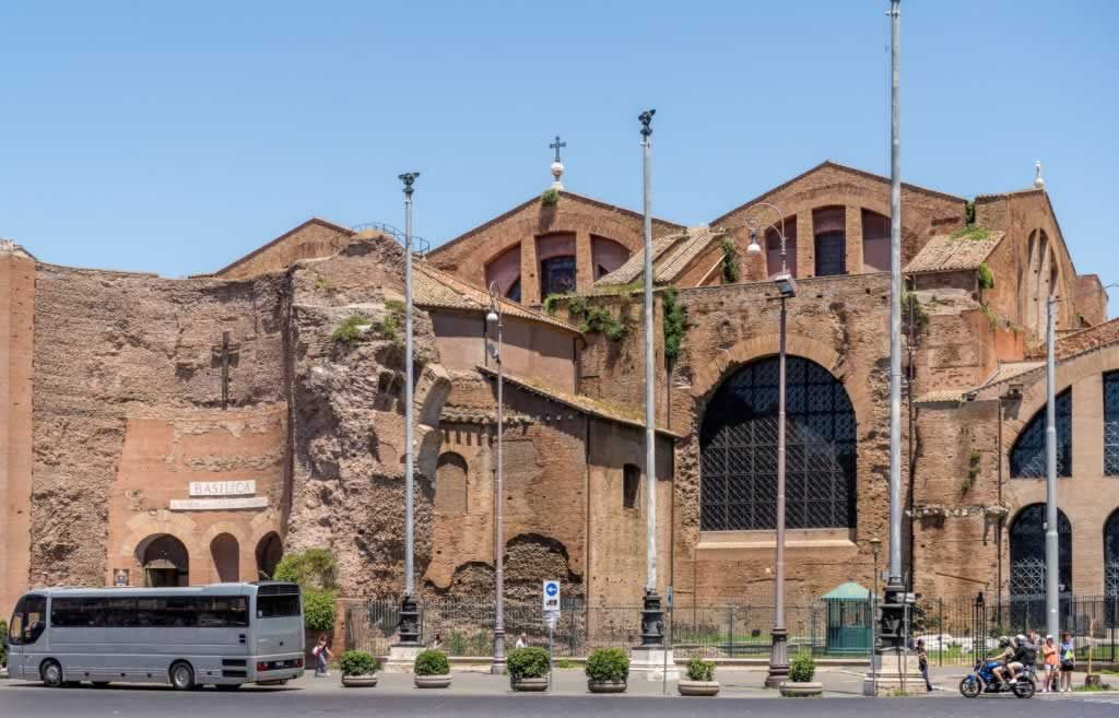 Rome, Baths of Diocletian and the entrance to Santa Maria degli Angeli e dei Martiri church in Piazza della Repubblica