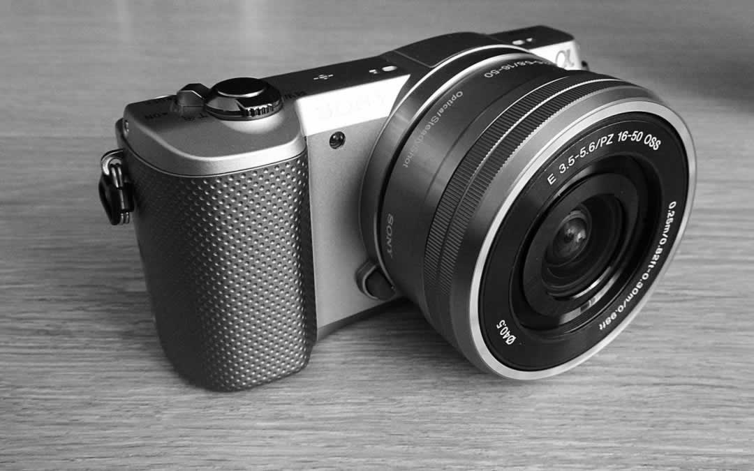 Best Mirrorless Camera for Travel - Sony alpha 5000
