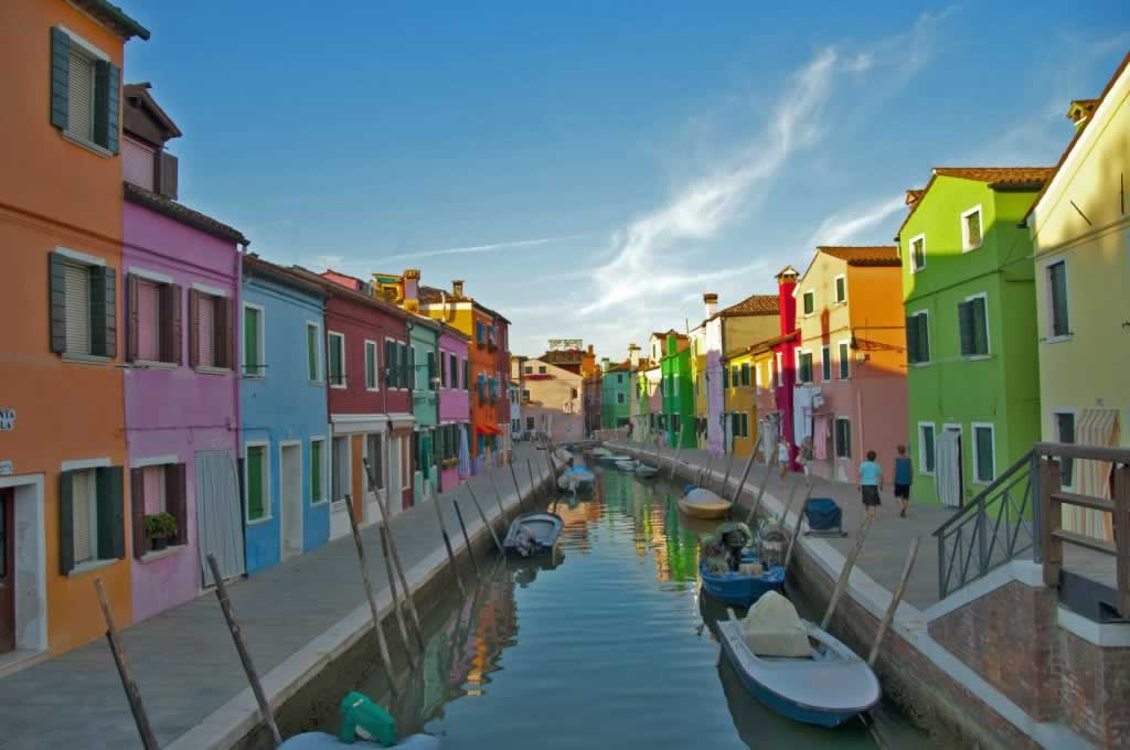Venice, the place to start a two-week Northern Italy itinerary - Murano and Burano