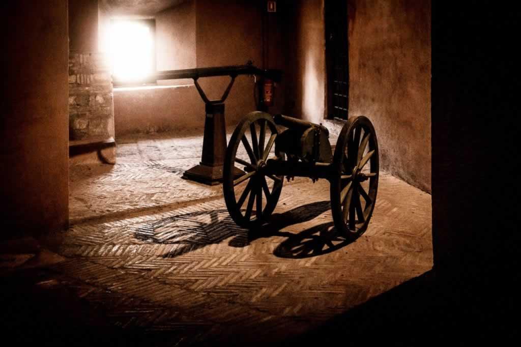 Castel Sant' Angelo dungeons in the dark