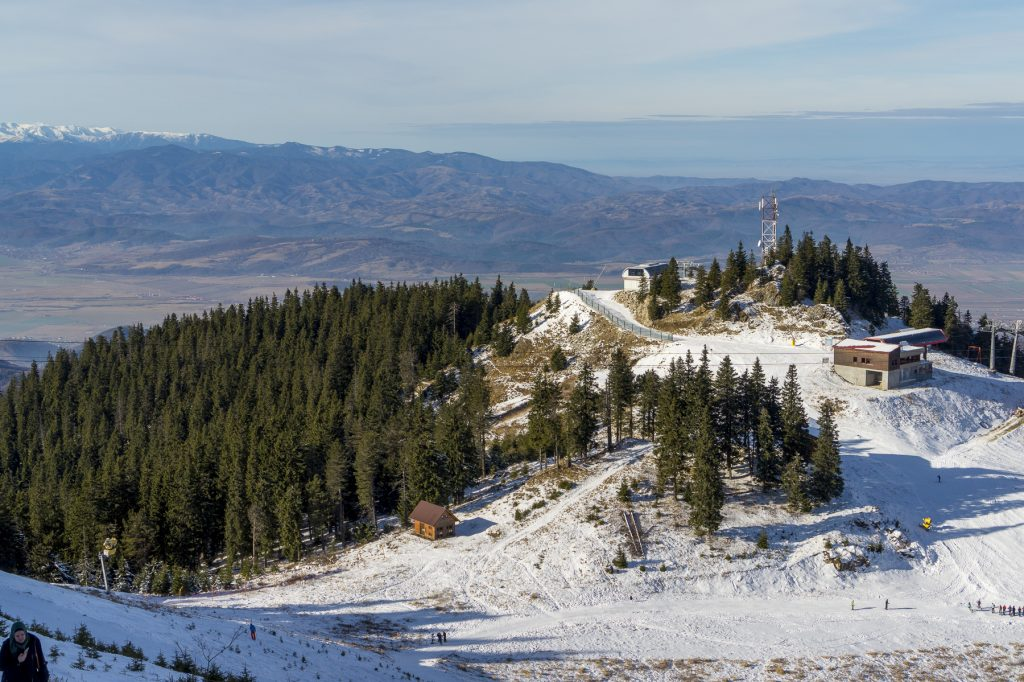 Skiing in Romania on Postavaru mountain