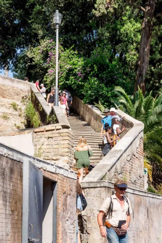 Piazza di Popolo stairs to Villa Borghese